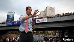 El presidente interino de Venezuela, Juan Guaidó, convocó a los venezolanos a movilizarse en todo el país contra el gobierno en disputa de Nicolás Maduro.