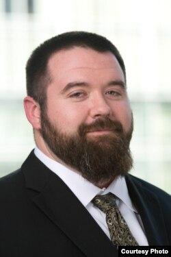 加图研究所政策分析员亚当·贝茨 (加图研究所照片)