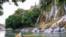 <div>آبشار و دشت بیشه در لرستان<br /> عکس: امین فتح الله زاده</div>