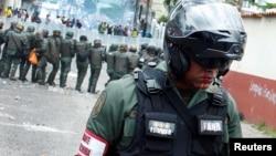 Un policía, el oficial José Alejandro Molina Ramírez, falleció durante el enfrentamiento con opositores en el estado Miranda