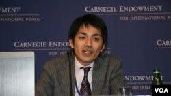 日本防卫省防卫研究所资深研究员增田雅之(美国之音钟辰芳拍摄)