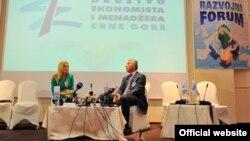 Crnogorski premijer Milo Đukanović govori na Miločerskom razvojnom forumu
