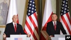 کنفرانس خبری مشترک روز دوشنبه مایک پنس، معاون رئیس جمهوری آمریکا، و آندری دودا، رئیس جمهوری لهستان