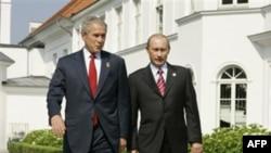 Джордж Буш-младший (слева) и Владимир Путин. Германия. 7 июня 2007 года