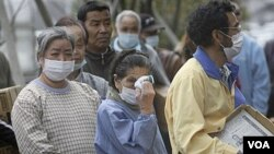 Para anggota keluarga yang tinggal di sekitar PLTN Fukushima, dan harus diungsikan, akan menerima ganti rugi.
