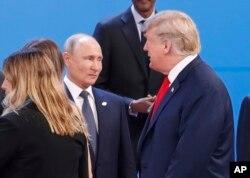Трамп проходить повз Путіна на саміті в Буенос-Айресі