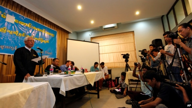 Aung Thein, a founding member of Burma Lawyers Network, talks during a press conference on the investigation about the Nov. 29 crackdown at Letpadaung copper mine in central Burma, Yangon, February 14, 2013.