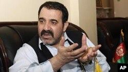 卡尔扎伊的同父异母弟弟被杀。图为阿哈麦德·瓦利·卡尔扎伊4月14日资料照。