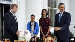 Ο Πρόεδρος Ομπάμα έδωσε χάρη σε δυο γαλοπούλες