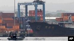 지난해 7월 파나마에서 신고하지 않은 무기를 싣고 항해하다 적발된 북한 선박 청천강호.