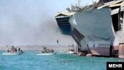بخشی از مانور حمله به ماکت ناو هواپیمابر