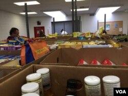 The York County Food Bank in York, Pennsylvania. (A. Pande/VOA)
