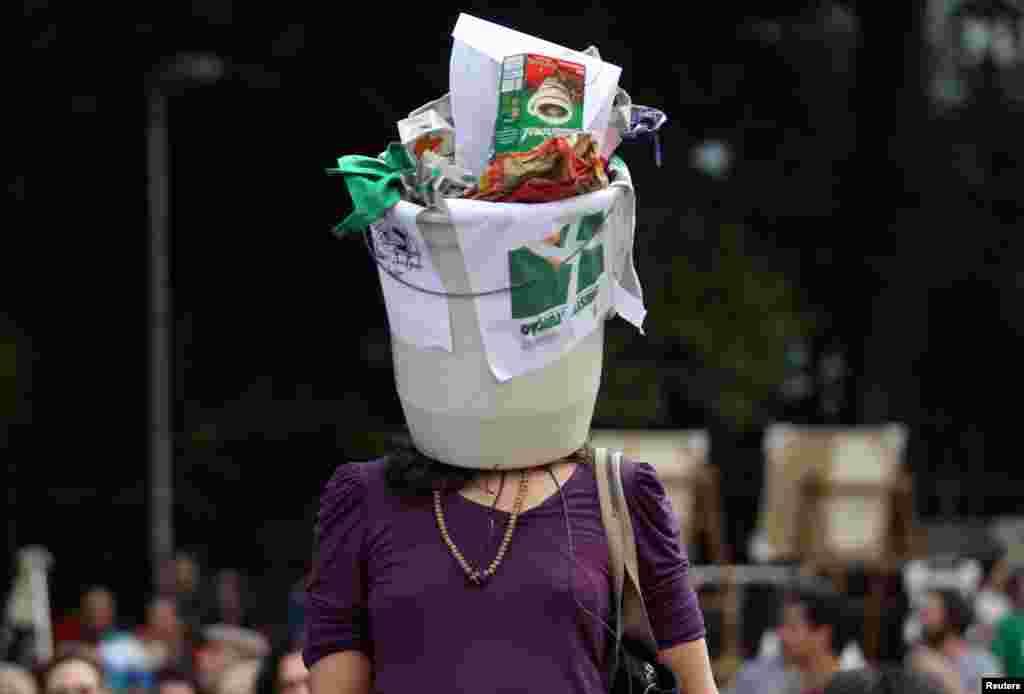 Brezilya'da Başkan Michel Temer'i protesto eden göstericiler