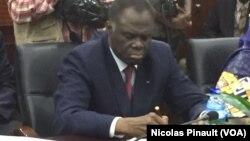 Michel Kafando, chef de la mission de la Francophonie au Niger, le 20 février 2016 à Niamey. (VOA/Nicolas Pinault)