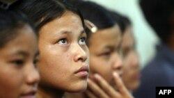Дети, освобожденные от циркового рабства