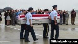 Một buổi lễ hồi hương hài cốt quân nhân Mỹ ở Việt Nam.
