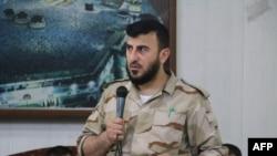 Foto de archivo de Zahran Alloush, el jefe rebelde que murió en un bombardeo. Su sustituto ya ha sido nombrado.