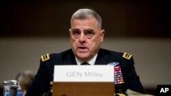 마크 밀리 합참의장 지명자가 11일 워싱턴 DC 의회에서 열린 상원 군사위원회 인준청문회에 서 발언하고 있다.