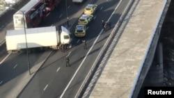 在报道英国首都伦敦桥发生枪击事件后伦敦桥上的情景。(2019年11月29日)