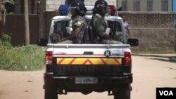 Forças policiais patrulham ruas de Quelimane