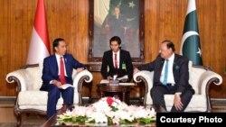 رئیس جمهور اندونیزیا در ملاقات با رئیس جمهور پاکستان پیشنهاد ایجاد کمیته علمای دینی اندونیزیا، افغانستان و پاکستان را برای آوردن صلح در افغانستان مطرح کرد.