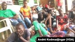 Enfants de la rue et jeunes démunis placés dans le centre Dakouna Espoir, Tchad, 30 juillet 2019. (VOA/André Kodmadjingar)