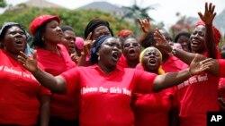 """""""Si el gobierno hubiese actuado con rapidez, podríamos haberl rescatado a las niñas"""", dijo Obasanjo."""