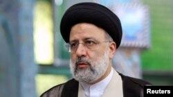 Ông Ebrahim Raisi, một thẩm phán của chủ trương bảo thủ, là người được Lãnh tụ Tối cao Ayatollah Ali Khamenei ủng hộ trong cuộc đua bốn người hôm thứ Sáu.