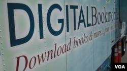 La feria sirvió para presentar los libros electrónicos con los que cuentan algunas bibliotecas públicas en Estados Unidos.