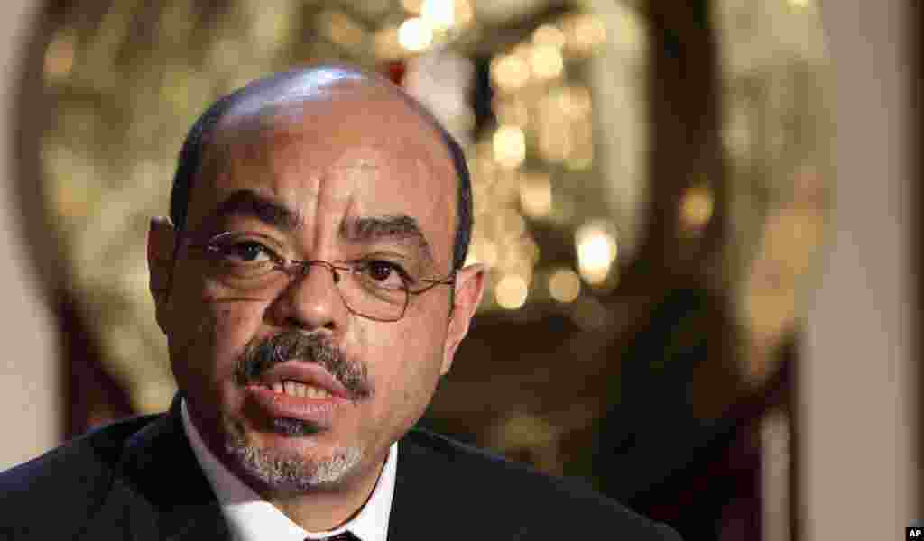 Meles speaks to reporters after meeting with Egyptian Prime Minister Essam Sharaf in Cairo, Egypt, September 17, 2011.