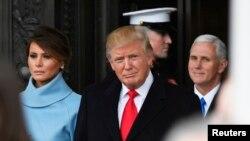 2017年1月20日,美国总统川普和夫人梅拉尼亚离开就职典礼。