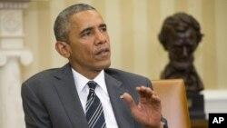 바락 오바마 미국 대통령이 26일 백악관에서 옌스 슈톨텐베르크 나토 사무총장과 만난 후 발언하고 있다.