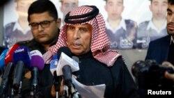 ISIL에 억류 중인 요르단 조종사 마즈 알-카사스베의 아버지 사피 알-카사스베 씨가 1일, 기자회견을 하고 있다.