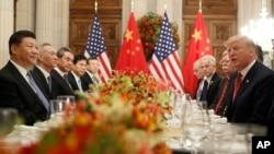 Predsednici Kine i SAD, Ši Đinping i Donald Tramp, tokom susreta u Buenos Airesu, 1. decembar 2018.