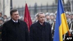 Президент Украины Виктор Янукович (слева) и премьер-министр Турции Реджеп Тайип Эрдоган. Киев. Украина. 25 января 2011 года