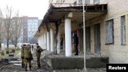 Bolnica u kojoj su tokom granatiranja stradale najmanje četiri osobe u Donjecku, 4. februar, 2015.