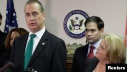 Los congresistas cubano-estadounidenses han reaccionado con furia contra el anuncio de la visita del presidente Obama a Cuba.