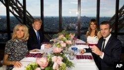 Prvi dan posjete okončan je večerom dvojice predsednika i prvih dama na Ajfelovoj kuli