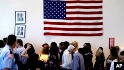 La ceremonia de juramentación de nuevos ciudadanos en Annapolis, Maryland, estará presidida por el director del Servicio de Ciudadanía e Inmigración, León Rodríguez.