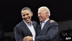 Президент Обама и вице-президент Байден. Кливленд. Штат Огайо. 31 октября 2010 года