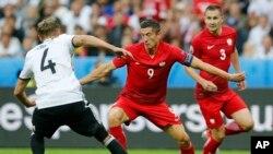 Euro 2016: Allemagne - Pologne (rouge),Stade de France, jeudi 16 juin 2016.