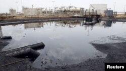 Sebuah fasilitas pengolahan minyak di Unity State, Sudan Selatan (Foto: dok). Sudan dan Sudan Selatan telah sepakat untuk memulai kembali ekspor minyak setelah sempat terhenti akibat persengketaan setahun lalu.
