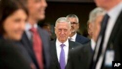 美國國防部長馬蒂斯抵達布魯塞爾北約總部,參加北約防長會議(2017年6月29日)