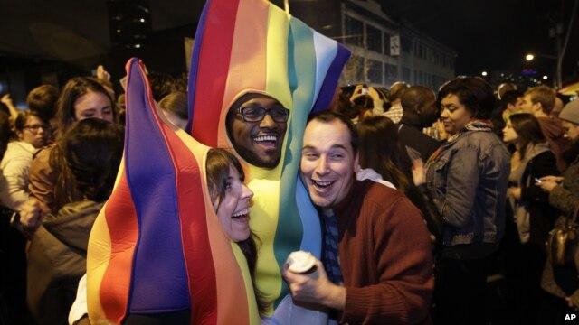 Người ủng hộ hôn nhân đồng tính ăn mừng tại Seatle, ngày 6/11/2012.