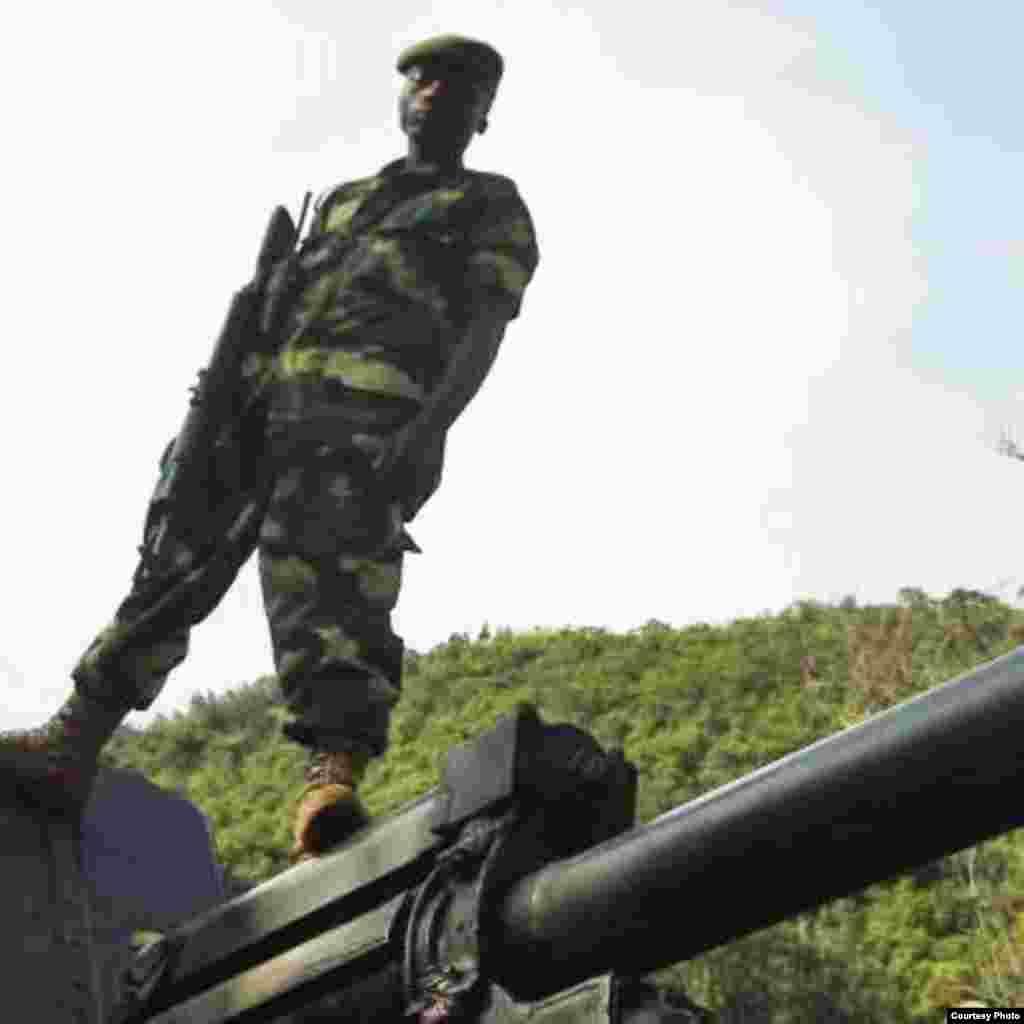Mpiganaji wa M23 juu ya silaha zilizopatikana Goma