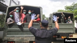 2020年4月2日,接近刑满的在押人员在印度尼西亚获得释放,以避免在拥挤的监狱中感染新型冠状病毒。