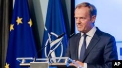 El presidente del Consejo Europeo, Donald Tusk, se dirige a los medios de comunicación en Bruselas, Bélgica, 10 de julio, 2018.