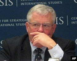 Dr. Carl A. Thayer, ອາຈານສອນ ນັກວິເຄາະກ່ຽວກັບພາກ ພື້ນເອເຊຍຕາເວັນອອກທີ່ມະຫາວິທະຍາໄລ New South Wales ໃນອອສເຕຣເລຍ