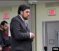 Imam Adeel Zeb predvodi molitvu na Američkom univerzitetu u Washingtonu