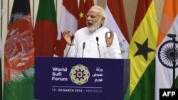 Indian Prime Minister Narendra Modi speaks at the World Sufi Forum in New Delhi, March 17, 2016.